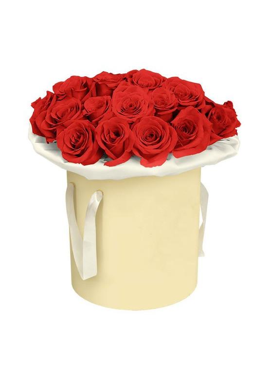 25 роз Ред Наоми в коробке