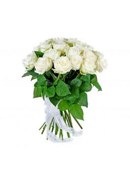 15 Белых роз Вайт Наоми (White Naomi) 80см