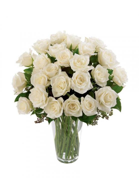 25 Белых роз Вайт Наоми (White Naomi) 40см