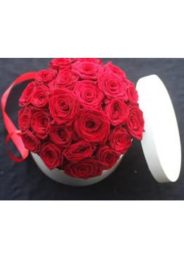 21 роза Ред Наоми в коробке