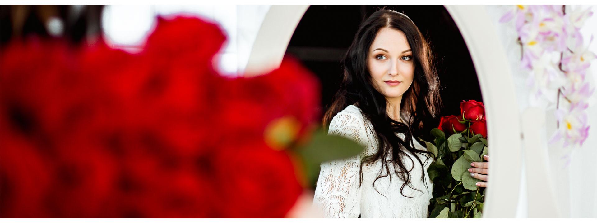 Розы Минск - Бесплатная доставка роз с qUp FLOWERS